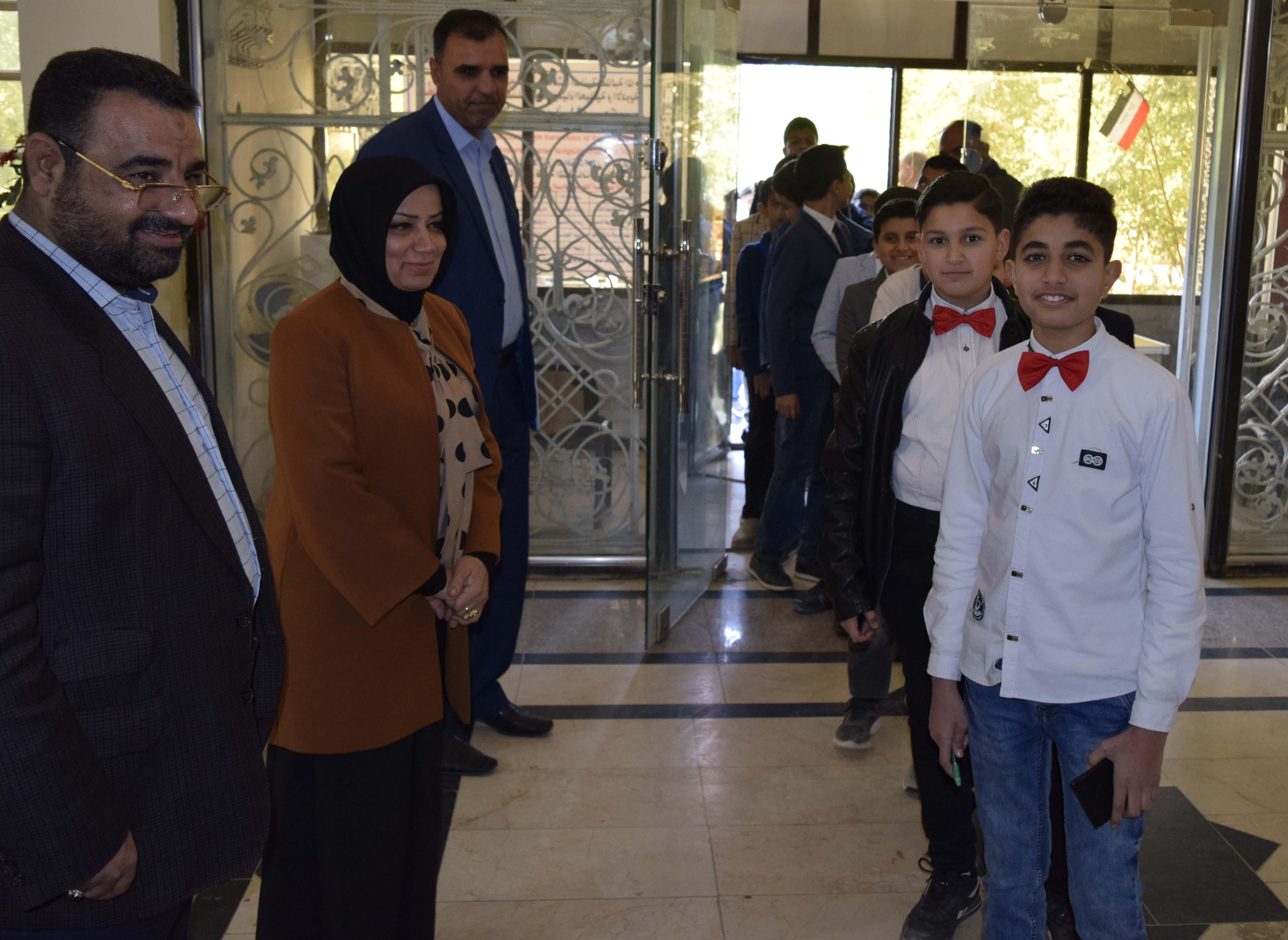 زيارة مدرسة التحدي للمتميزين لكلية الطب البيطري بجامعة كربلاء