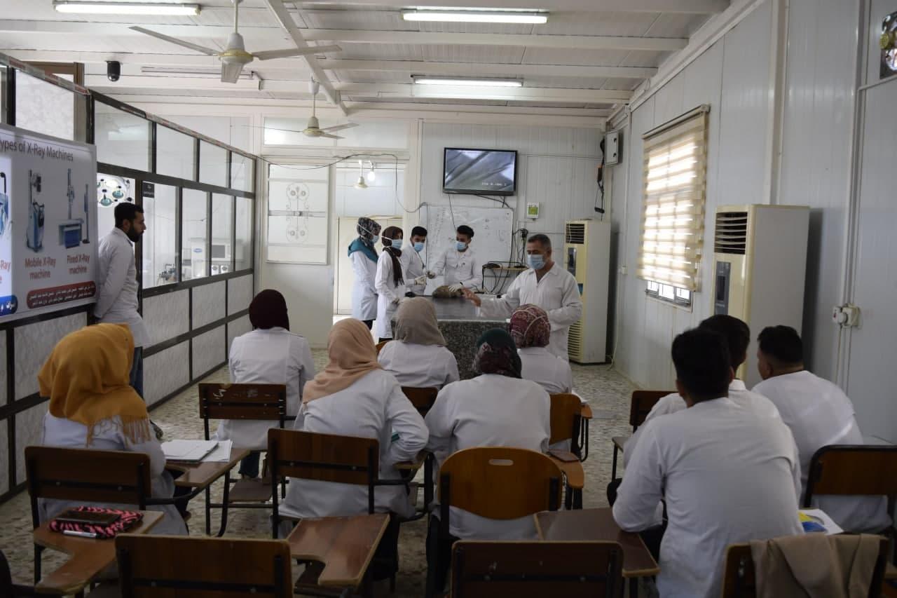 المحاضرات العملية في البيت الحيواني بكلية الطب البيطري